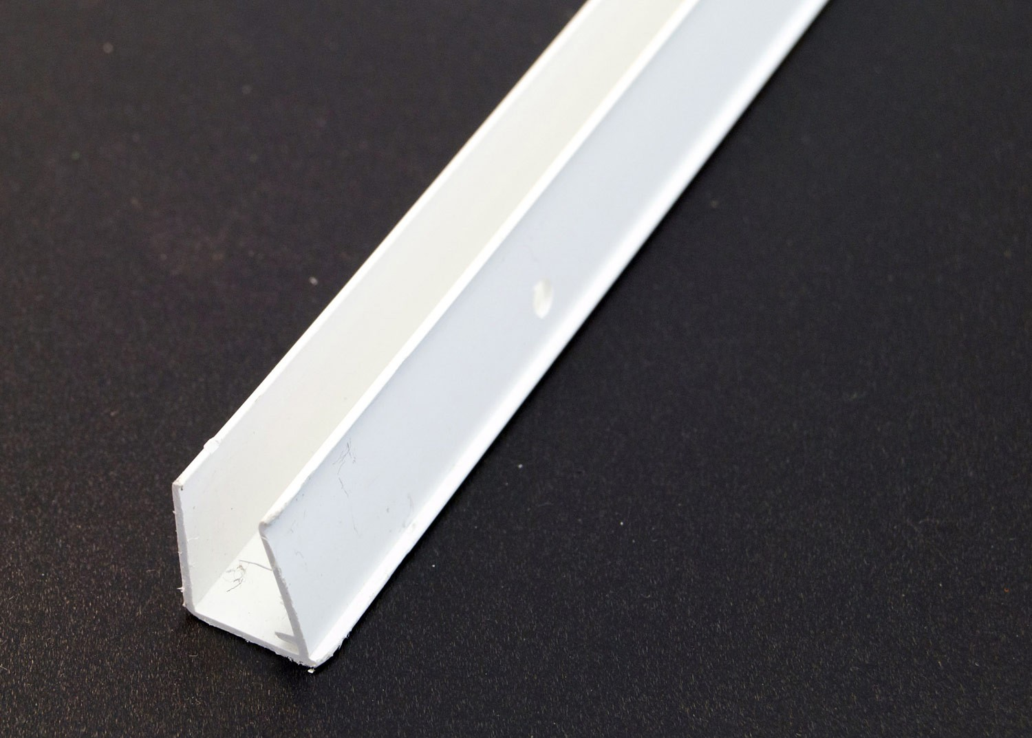 U End Sheet Closures 2100mm for 16mm (White)