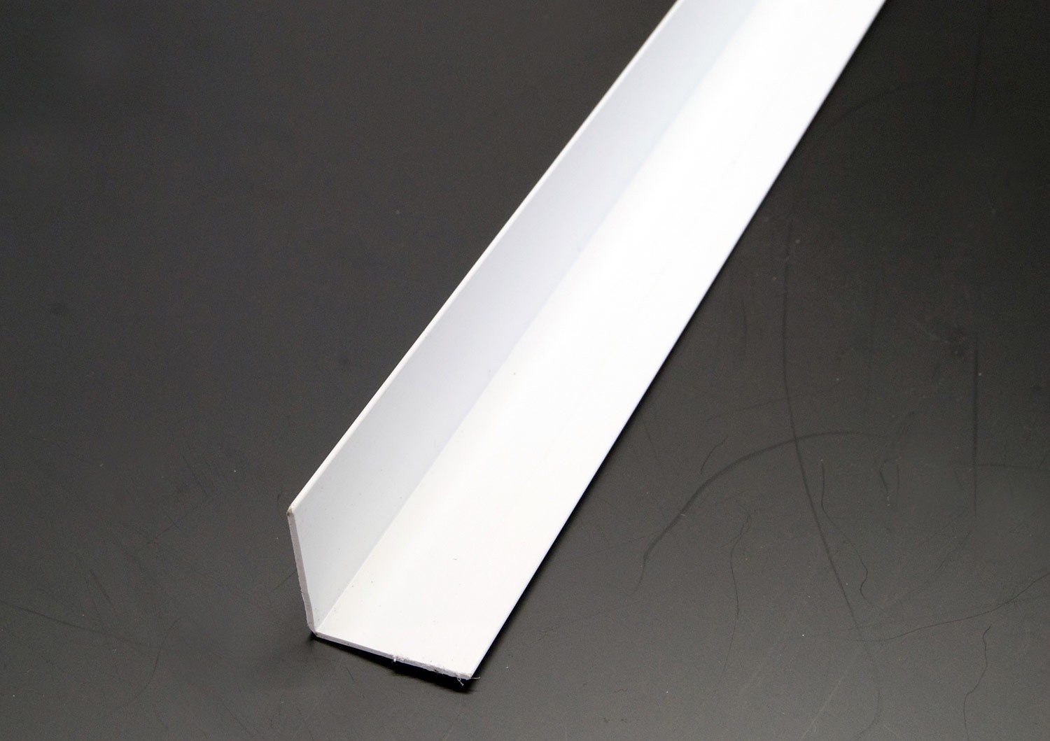 2440mm White Equal Angles (16 x 16mm)