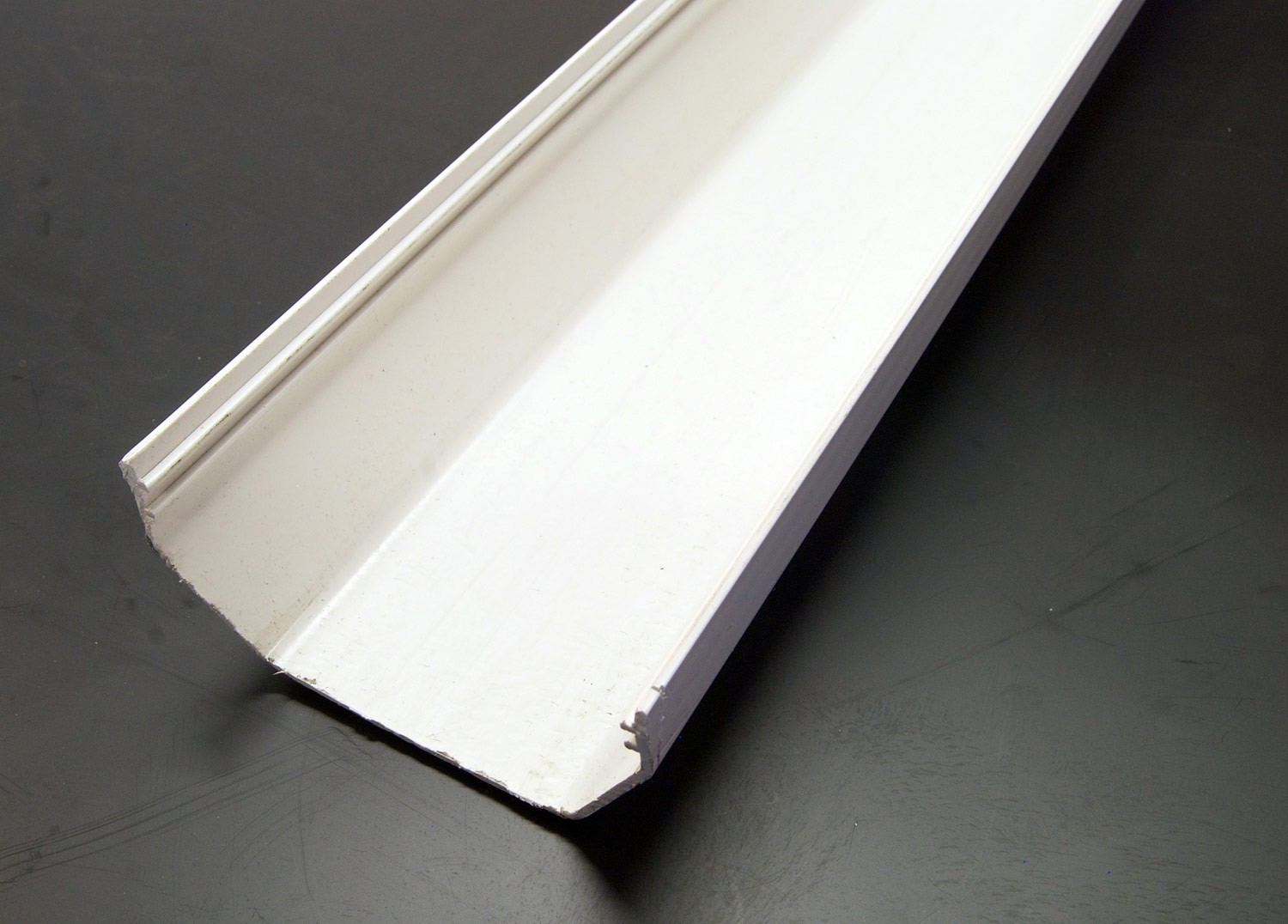 4m Gutter Square (White)