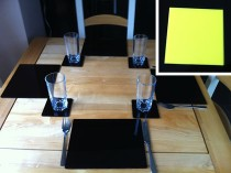 Set of 4 Perspex Place Mats and Coasters (Yellow)